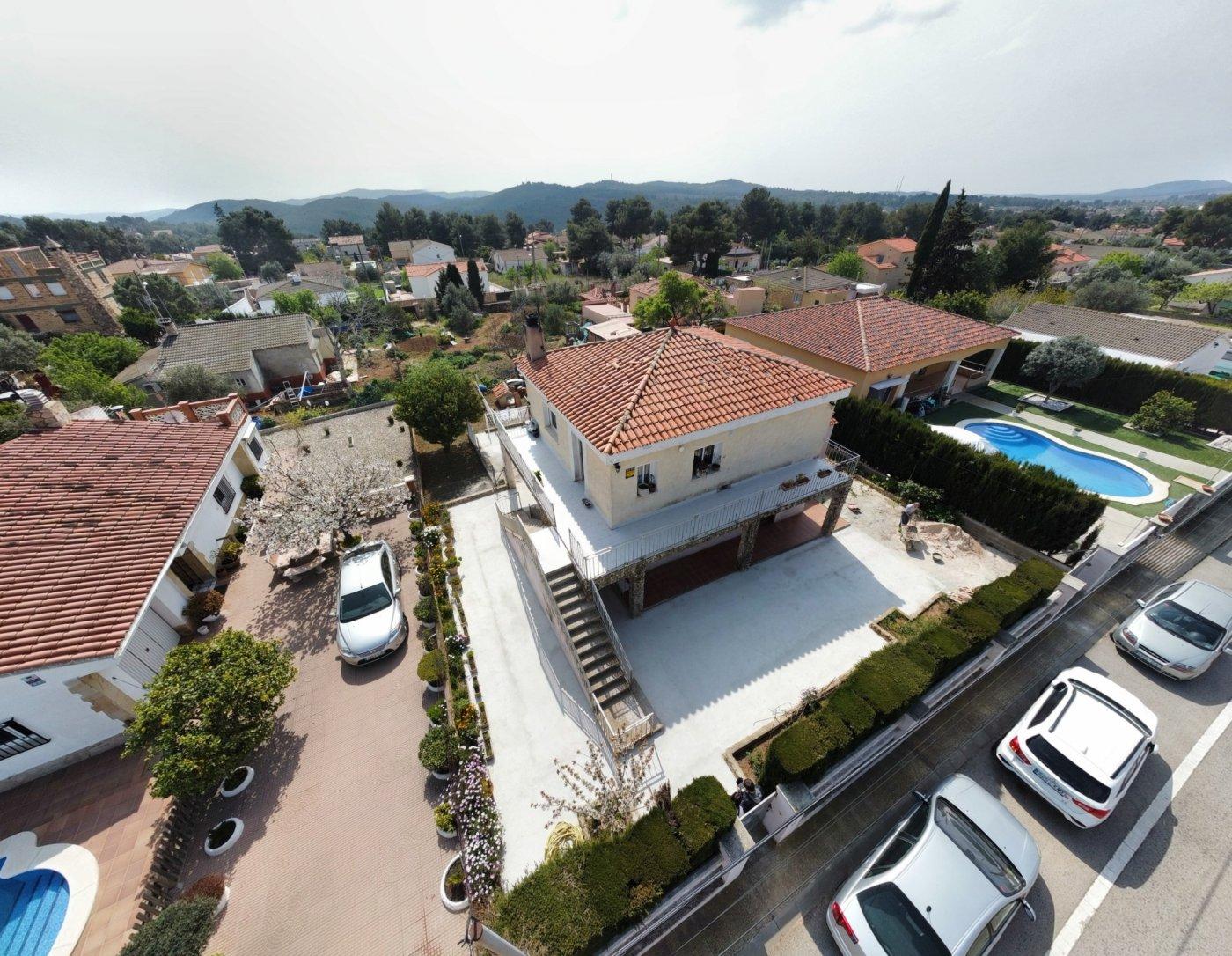 casa en el-montmell · urbanitzacio-el-mirador-del-penedes 130000€