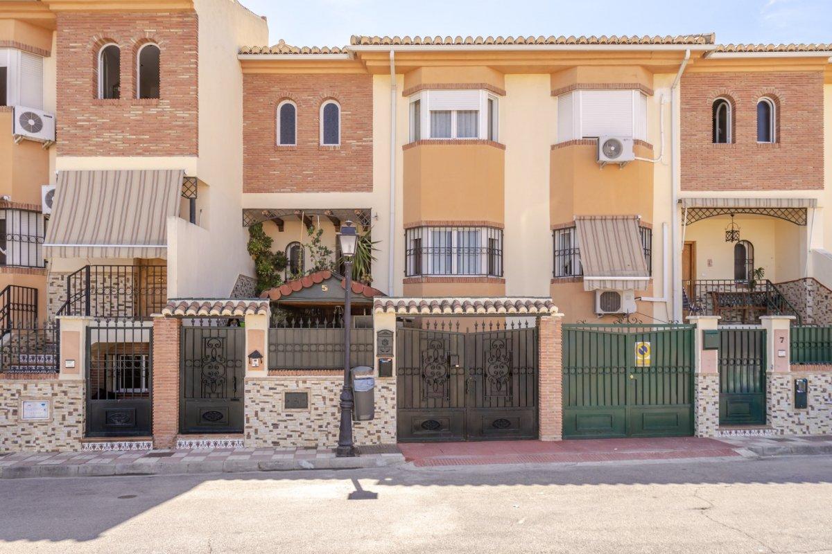 Venta de casa adosada en Armilla (junto al Centro Comercial Nevada), Granada