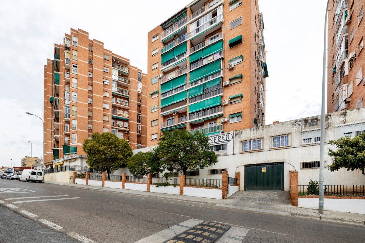 Venta de piso en Granada (Zona Alcampo), Granada