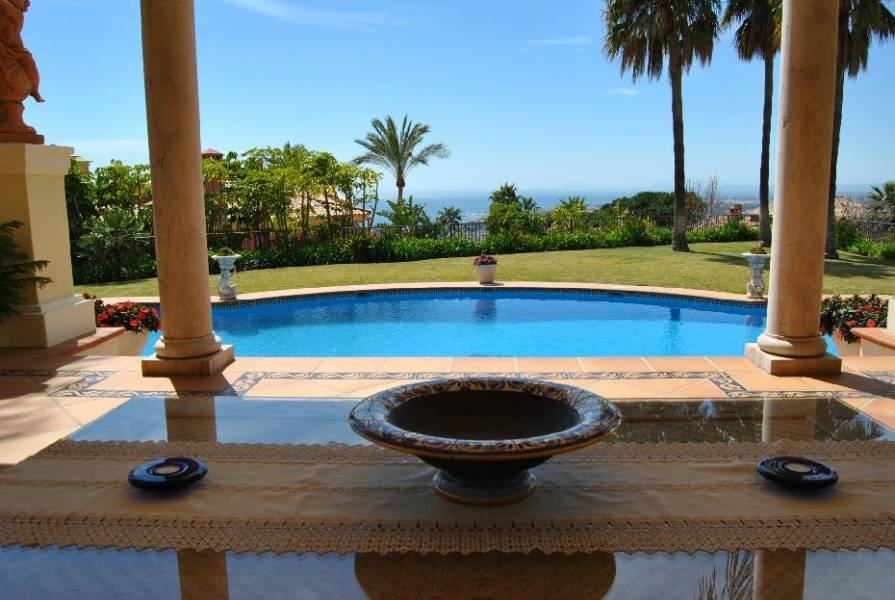 Villa Sierra Blanca with see view