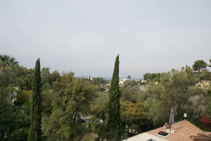 Nice villa in Los Monteros