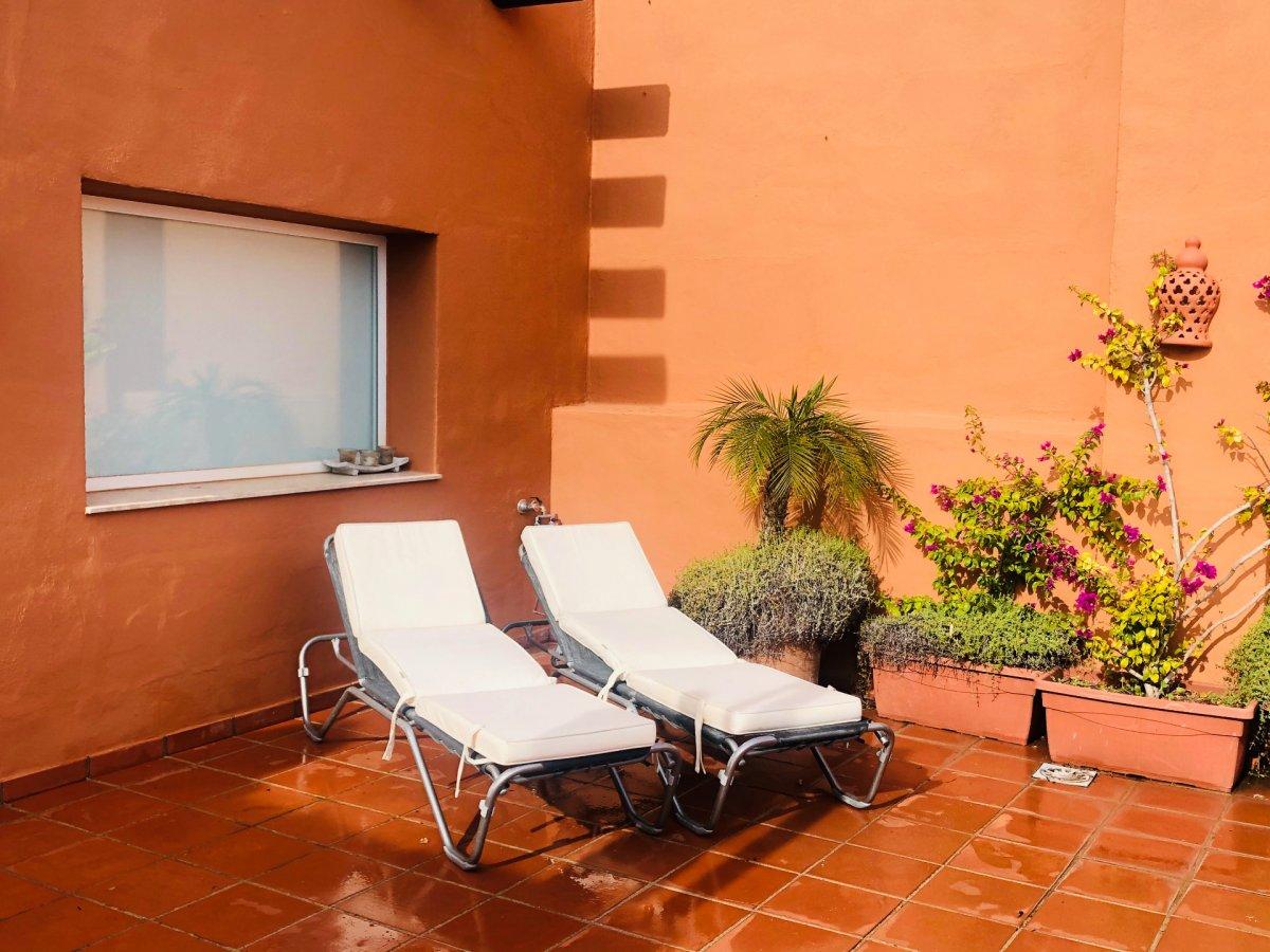 Эксклюзивный Пентхаус с видом на море, горы и поля для гольфа в Альминаре, Нуэва Андалусия.