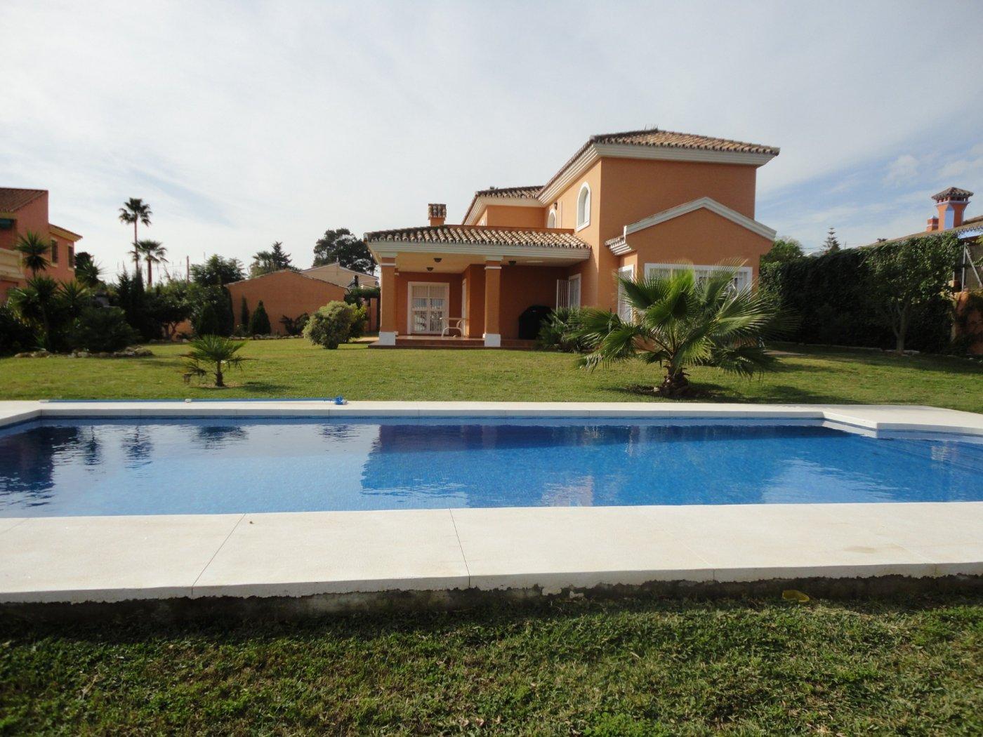 Villa for sale in urb Don Pedro, Estepona