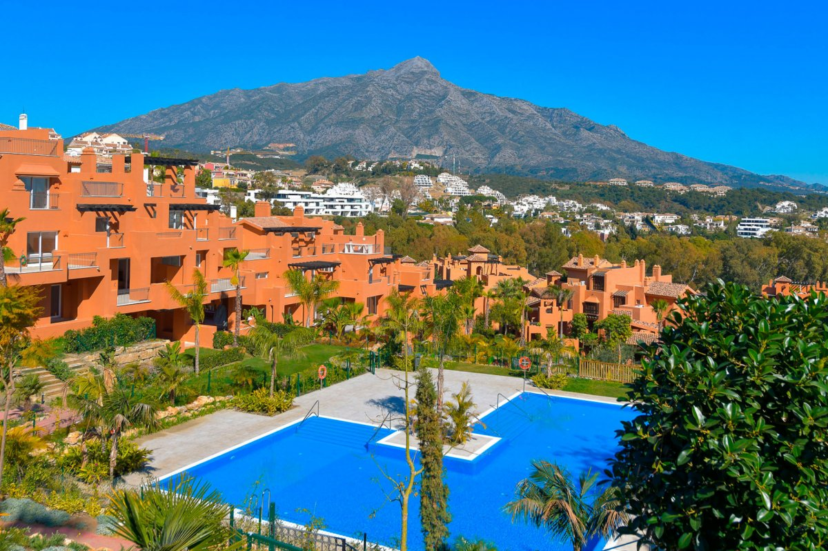 Luxury apartment in Nueva Andalucia, Marbella