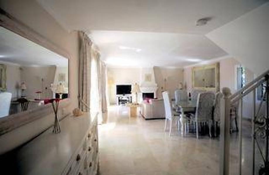 Nice villa in Bahia de Marbella