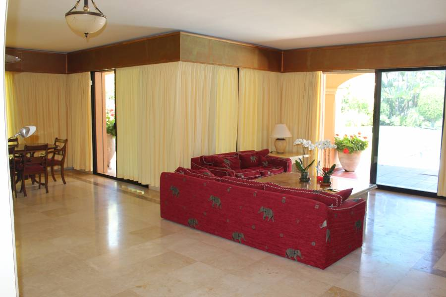 Brand New Luxury Villa in Aloha