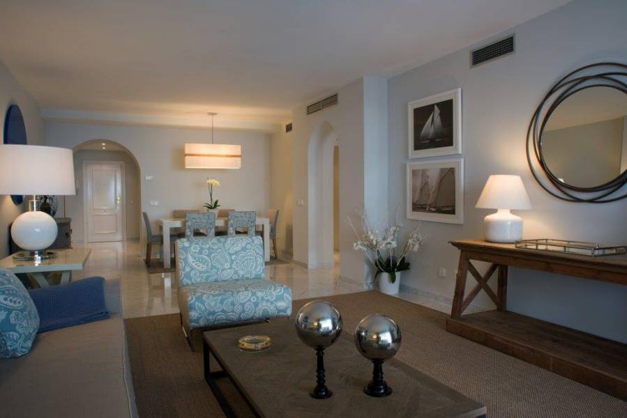 Elegant apartment in Playas del Duque