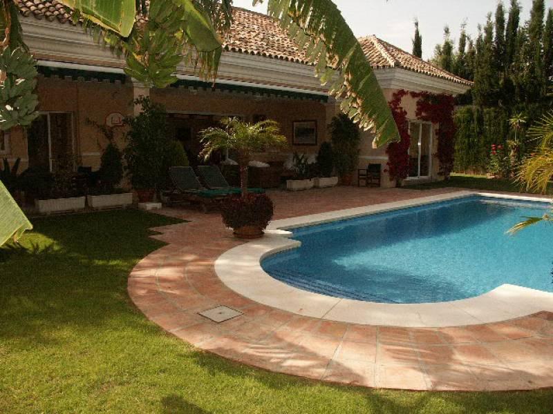 Charming villa in Nueva Andalucia,Marbella