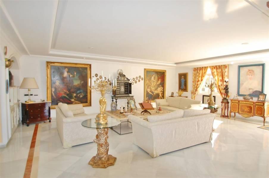 Villa on the Golden Mille, Marbella