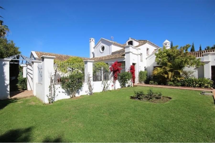 Stunning villa in Guadalmina Baja , Marbella