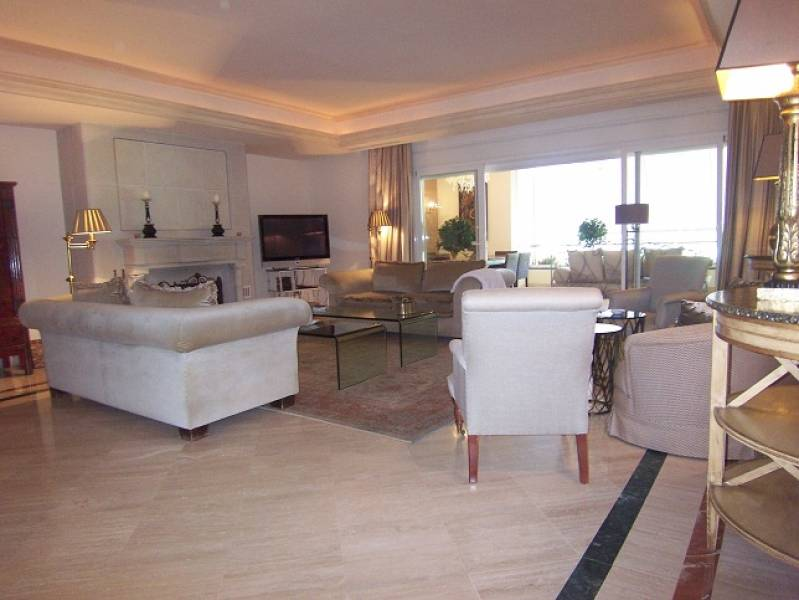 Extraordinary apartment in Milla de Oro,Marbella