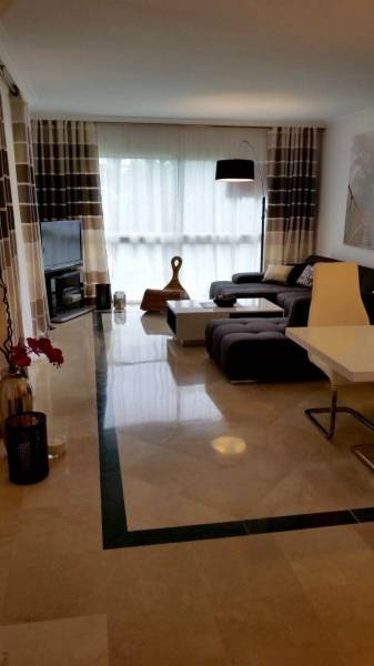 LUXURY APARTMENT IN THE GOLDEN MILE