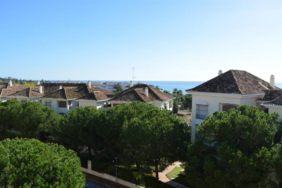 Brand new apartment in Marbella with sea view