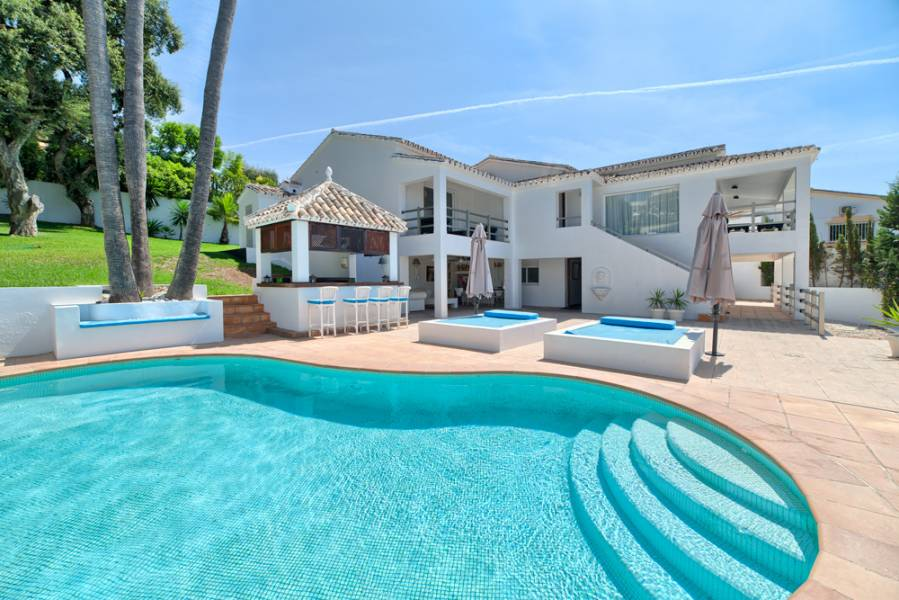 Wonderful villa in Marbella with sea views