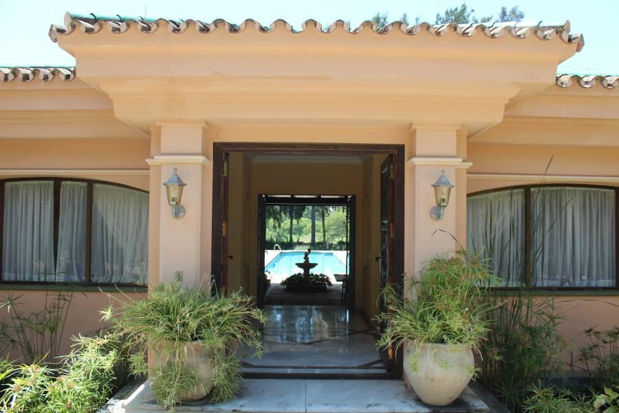 Luxury Villa in Aloha
