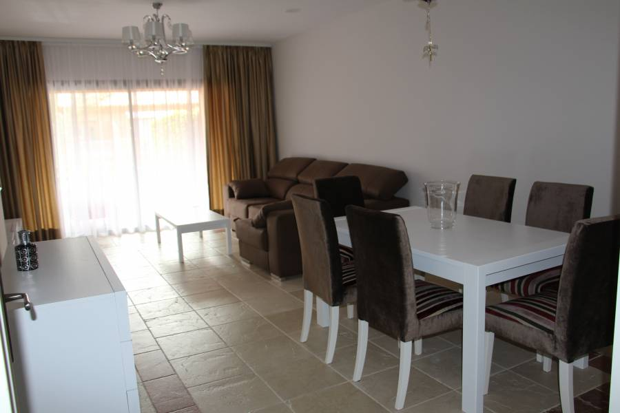 2 bedroom Apartment in Benatalaya for short term rent