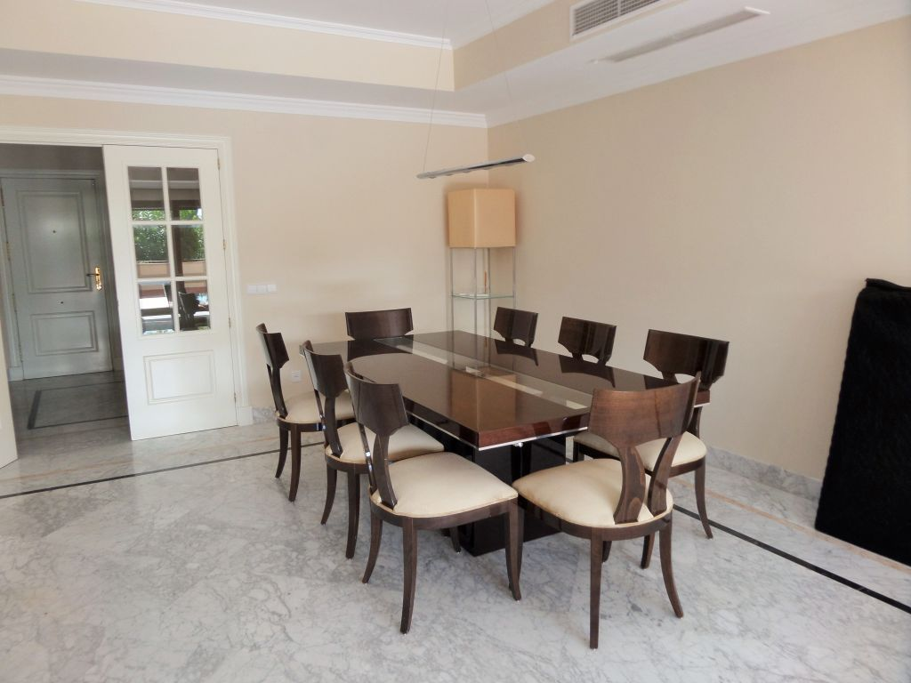 Stunning 4 bedroom apartment on The Golden Mile