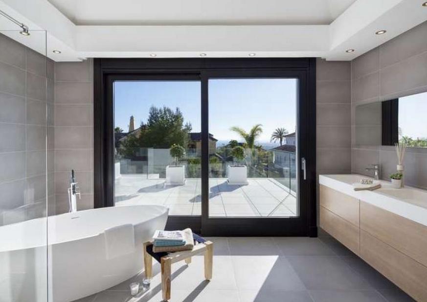 Brand new villa in Sierra Blanca with sea views