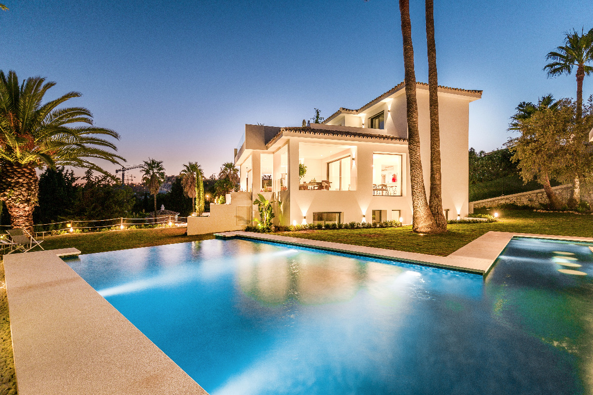 Completely reformed 5 bedroom villa for sale in Los Naranjos Golf