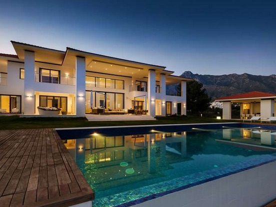 Stunning contemporary style mansion.