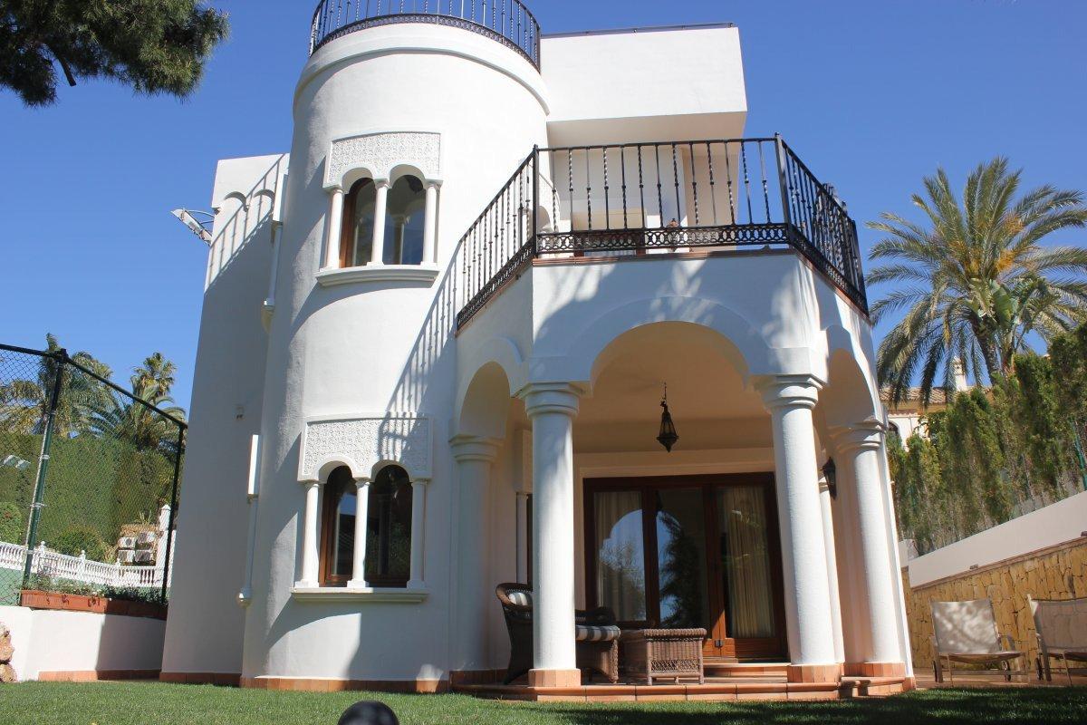 Exceptional villa in Sierra Blanca