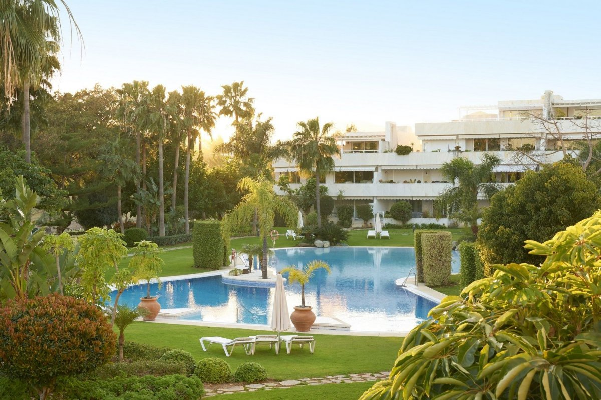 Luxury apartment in Los Granados Golf, Nueva Andalucia