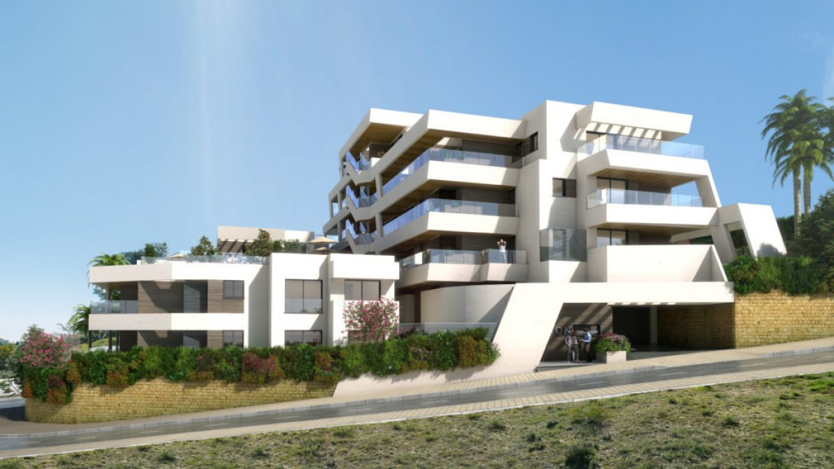 New modern apartment in Rio Real, Marbella