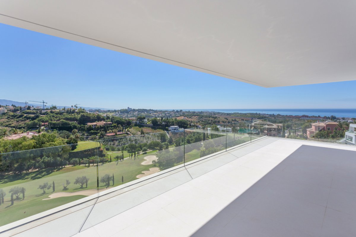 Front line golf villa with panoramic views to the sea, Los Flamingos, Benahavis