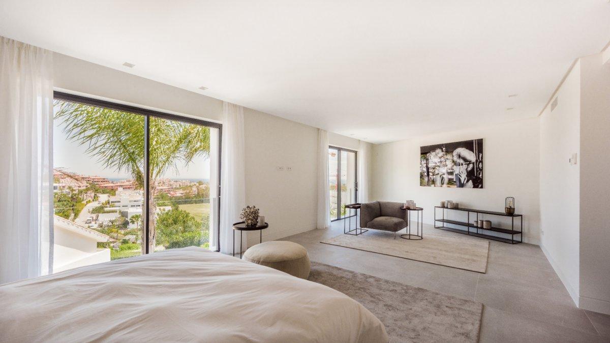 Spectacular villa with amazing panoramic views on golf and Mediterranean in La Alqueria