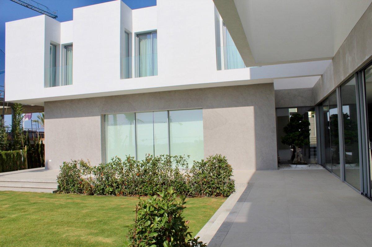 Stunning contemporary designed villa with spectacular panoramic views in Benahavis
