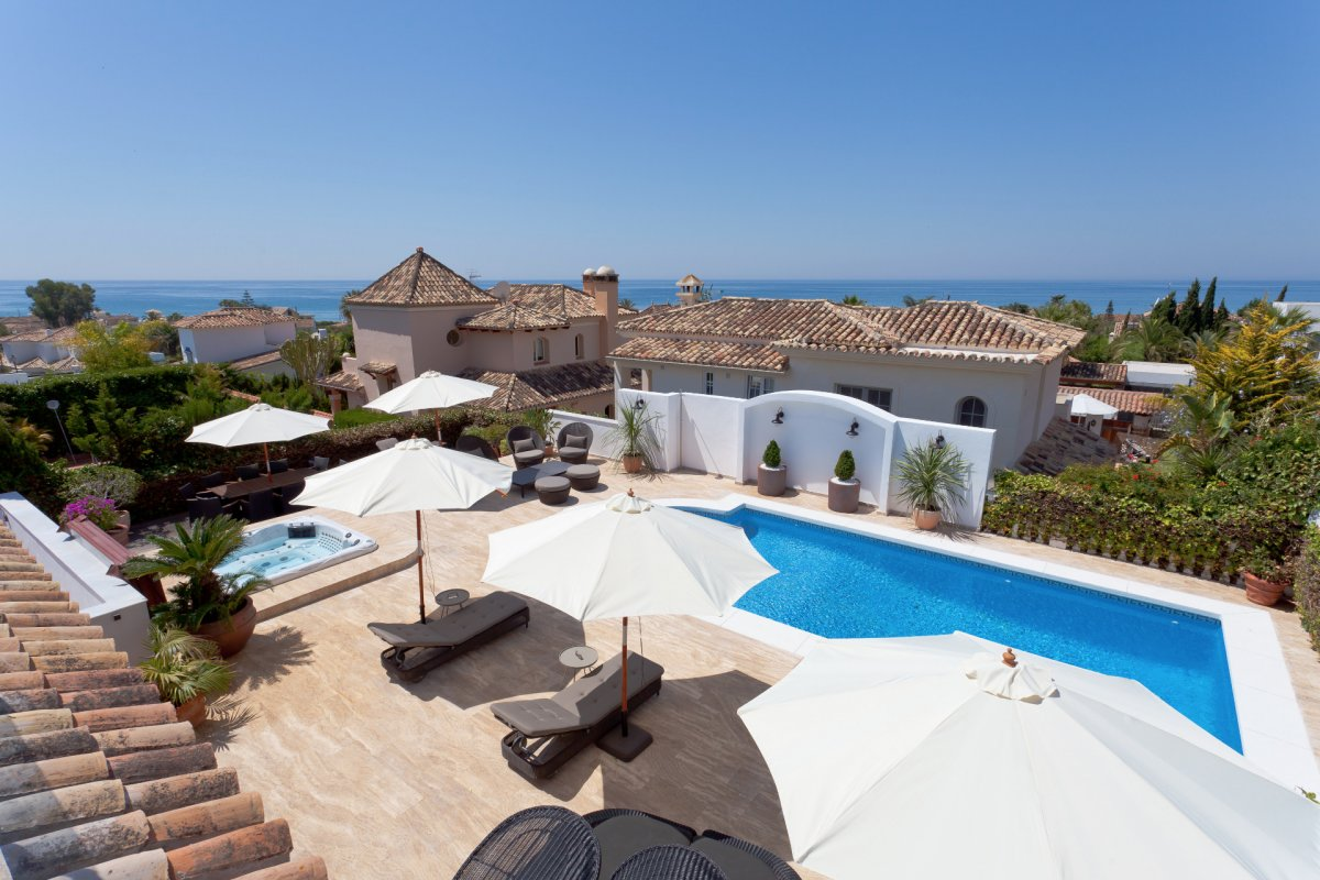 Luxury sea view villa in Rosario beach side