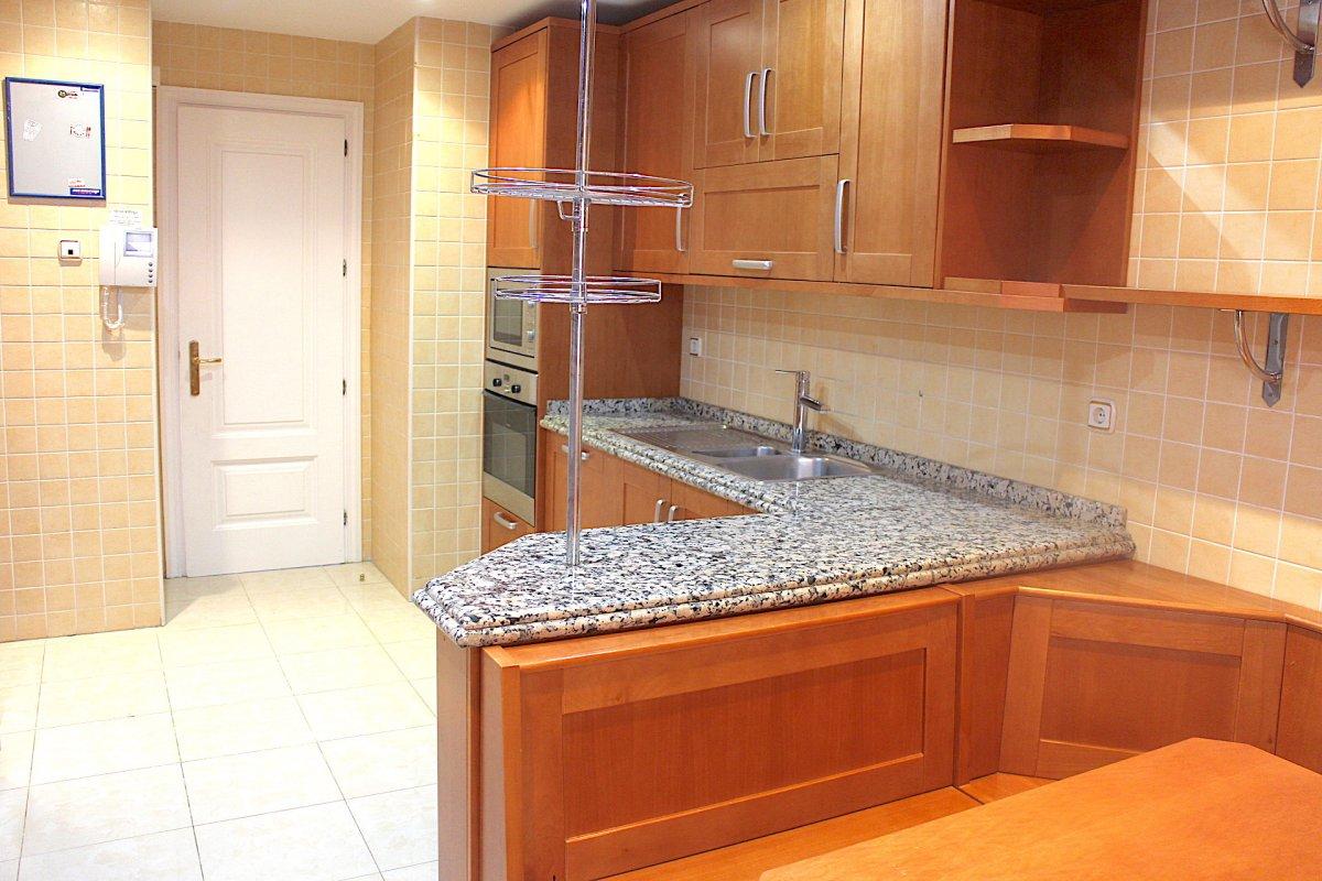 Stunning apartment in Lomas de Sierra Blanca, in a prestigious complex on the Golden Mile