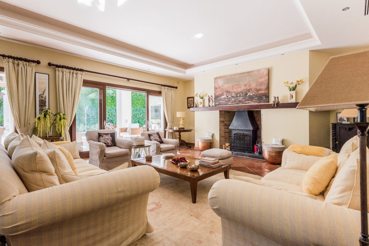 Andalusian style villa for rent near the beach on the Golden Mile of Marbella