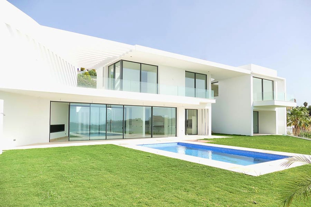 Stunning villa with amazing panoramic views on golf and Mediterranean in La Alqueria