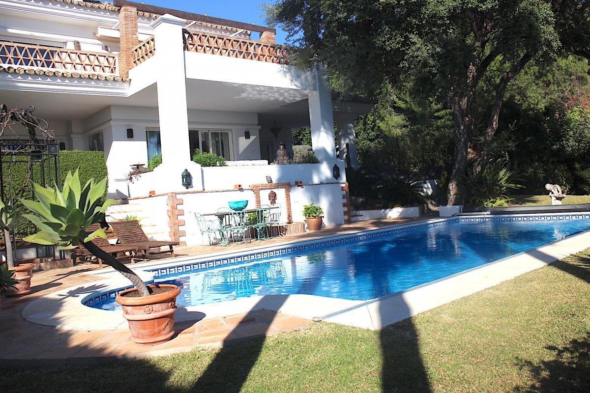 Elegant villa in Altos Reales, Marbella