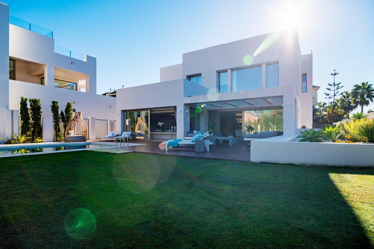 Modern 2nd line beach villa on Golden Mile ,Puerto Banus