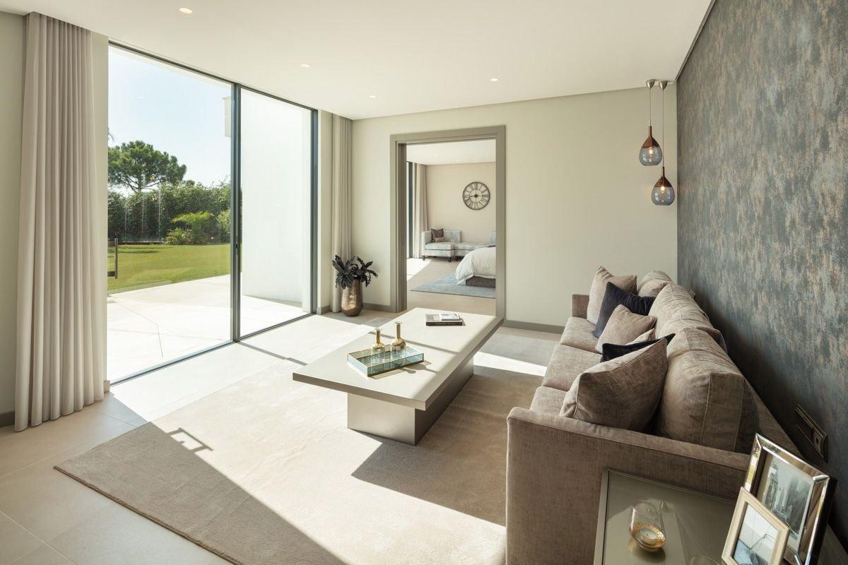 Newly-built luxury villa in El Madroñal