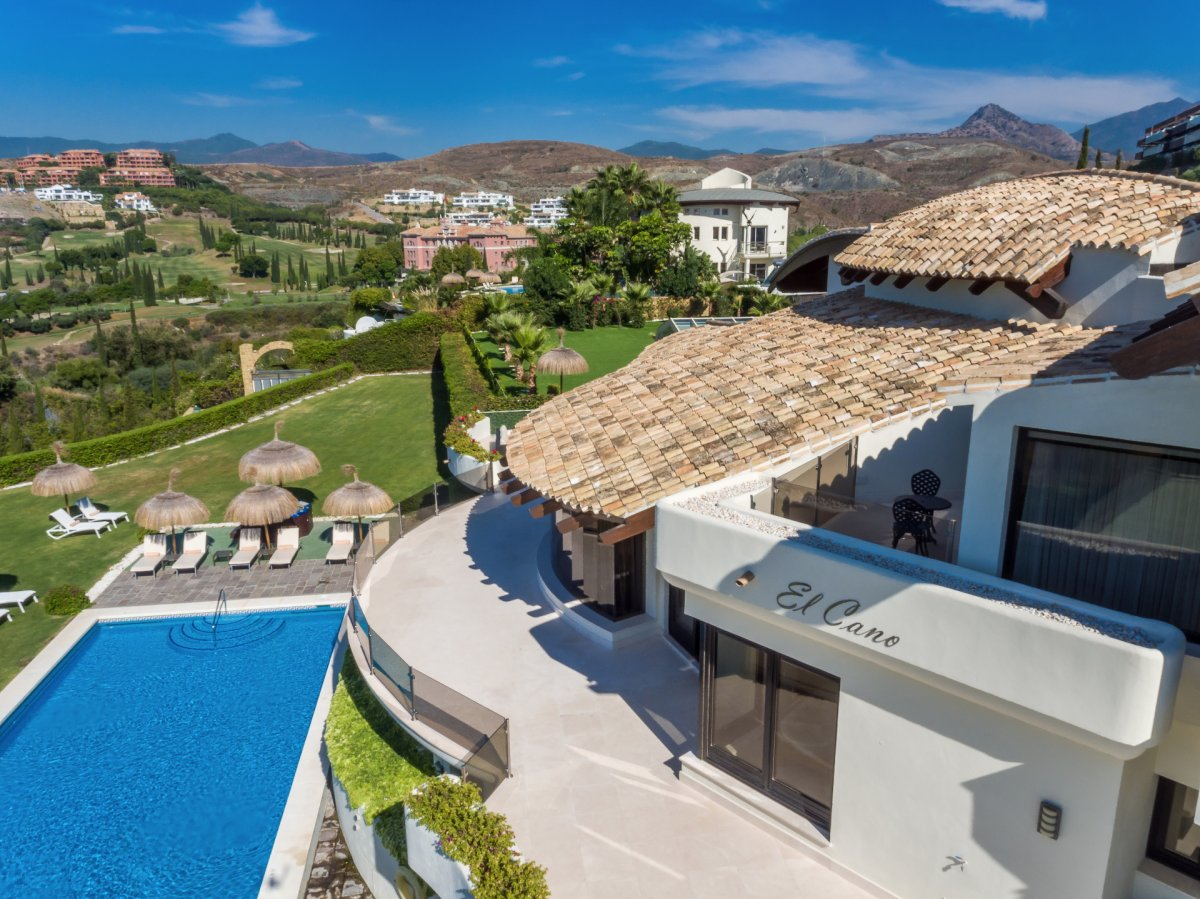 Stunning villa for rent with spectacular panoramic views in Los Flamingos