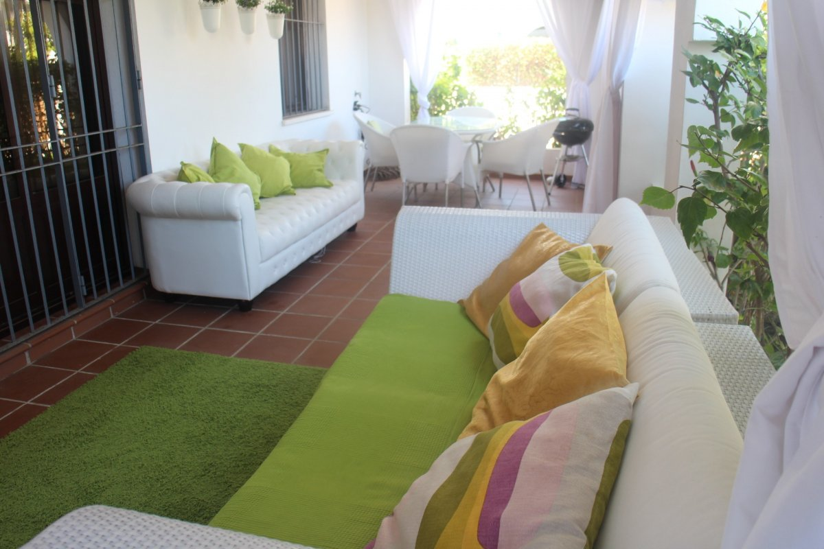 Ground floor apartment with a large terrace in Privilegio de Marbella
