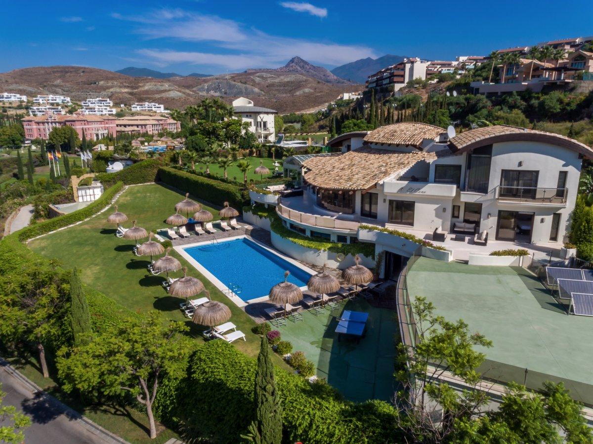 Impresionante villa en alquiler con espectaculares vistas panorámicas en Los Flamingos