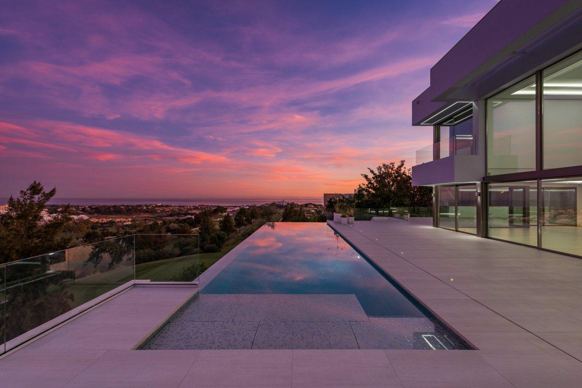 Impresionante villa con vistas panoramicas en Alqueria, Benahavis