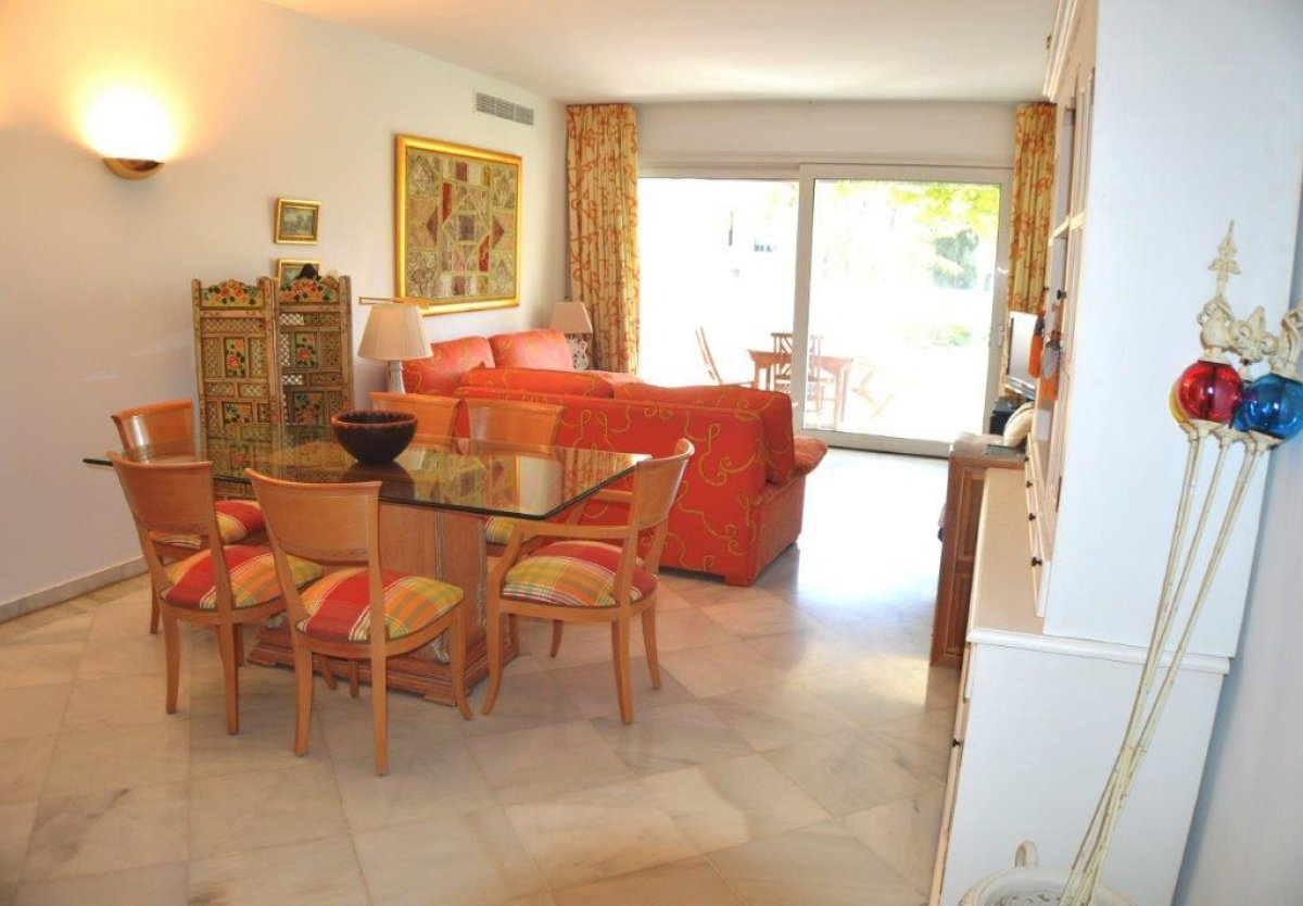 Fantastic second line beach apartment on Golden Mile, Marbella