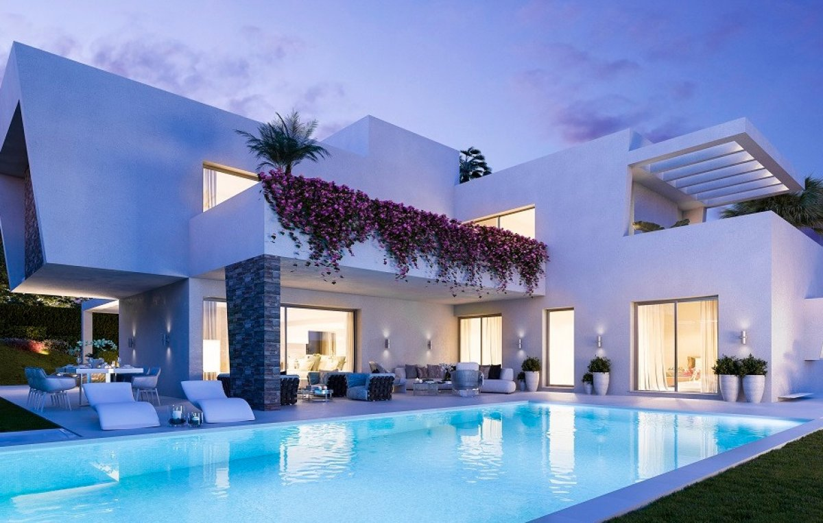 Modern villa with fully landscaped gardens in La Alqueria