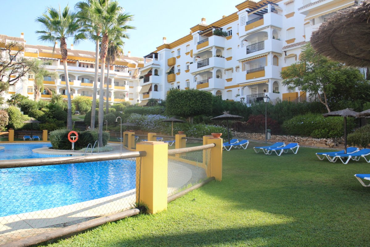 Beautiful sea view apartment on Golden Mile, Marbella