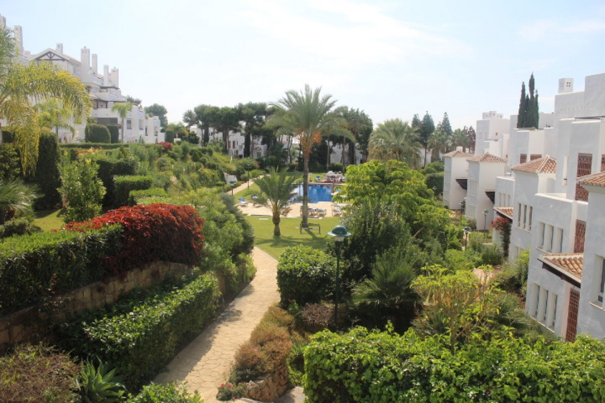 Apartment with direct access to the beach in Palm Beach, Los Monteros Playa