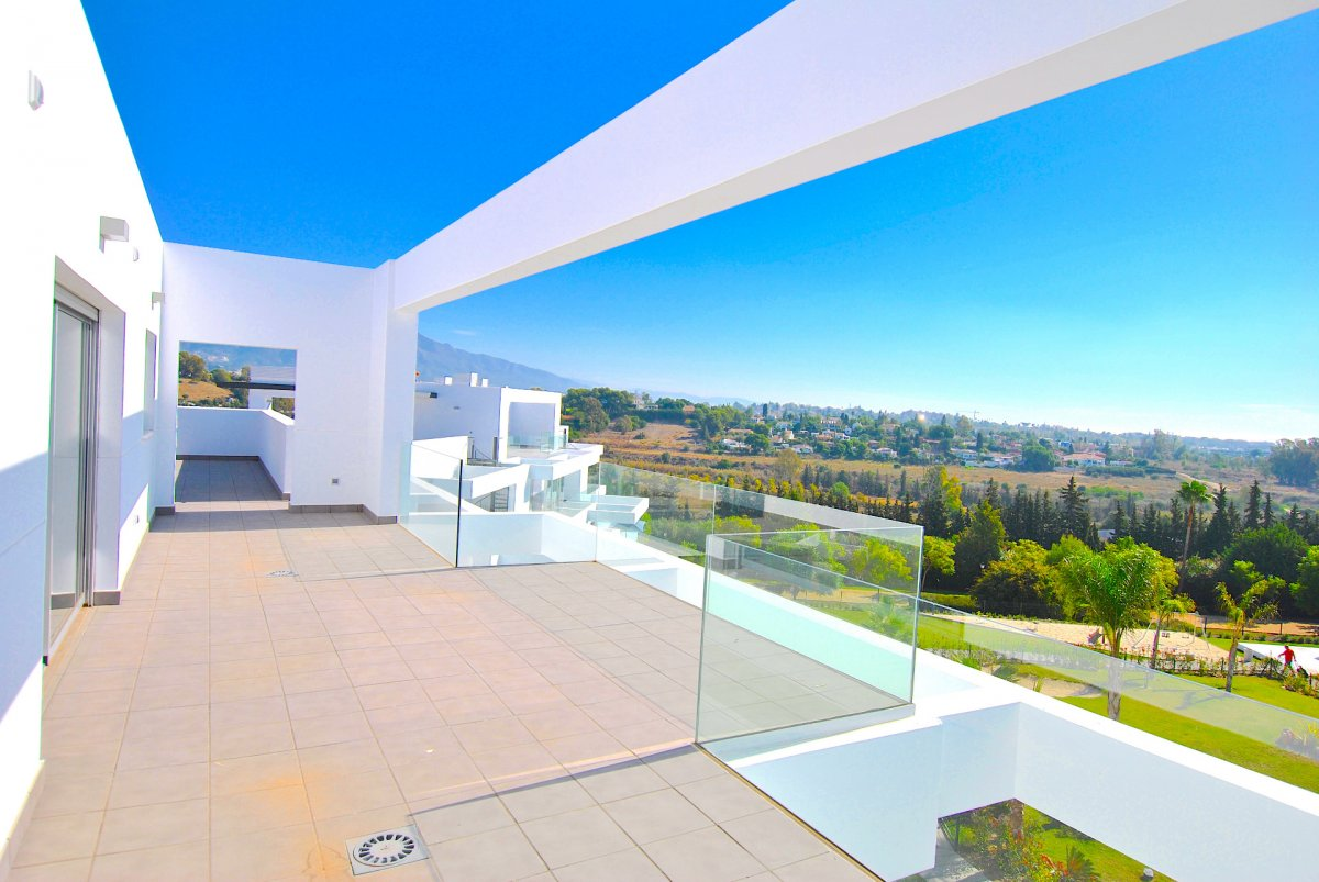 Exclusive duplex penthouse with panoramic views in Marques de Guadalmina