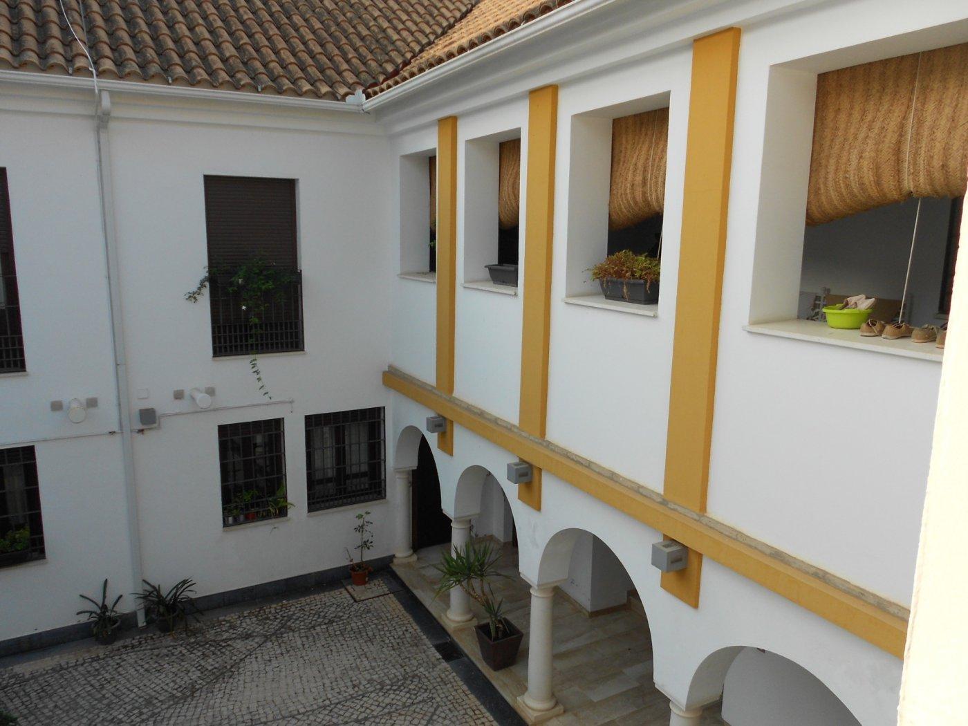 Casa adosada entre ollerÍas y san agustÍn - imagenInmueble24