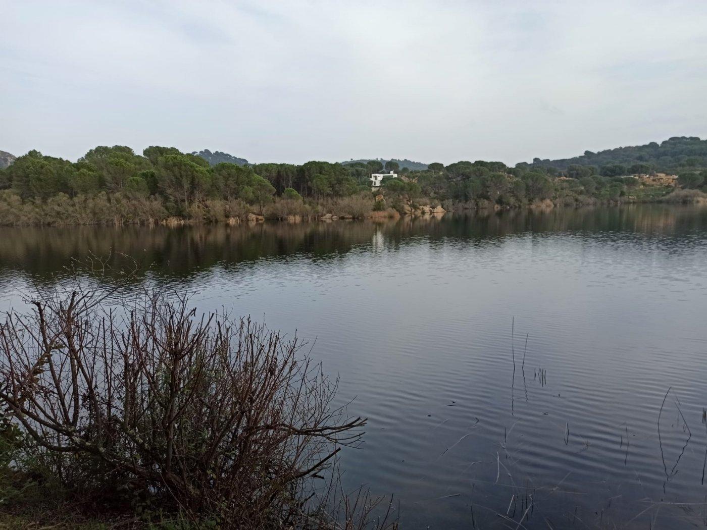 Se vende parcela urbana en las jaras a orilla del lago - imagenInmueble6