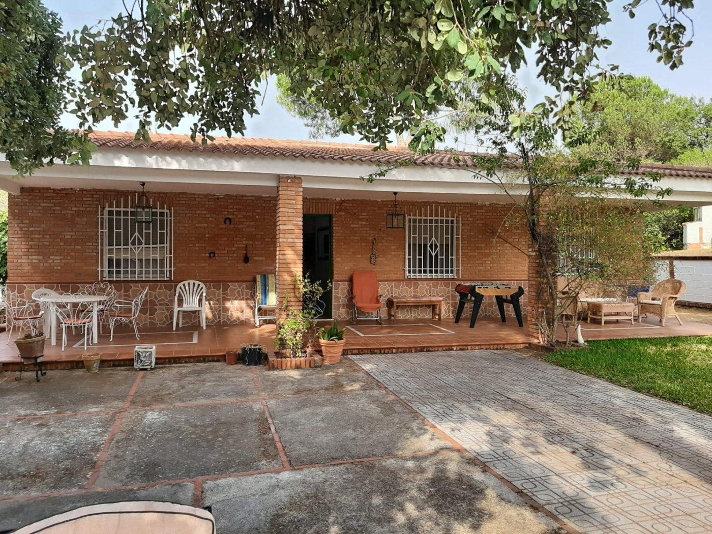 Estupenda casa con piscina propia en zona de assuan- las jaras-cÓrdoba. - imagenInmueble1