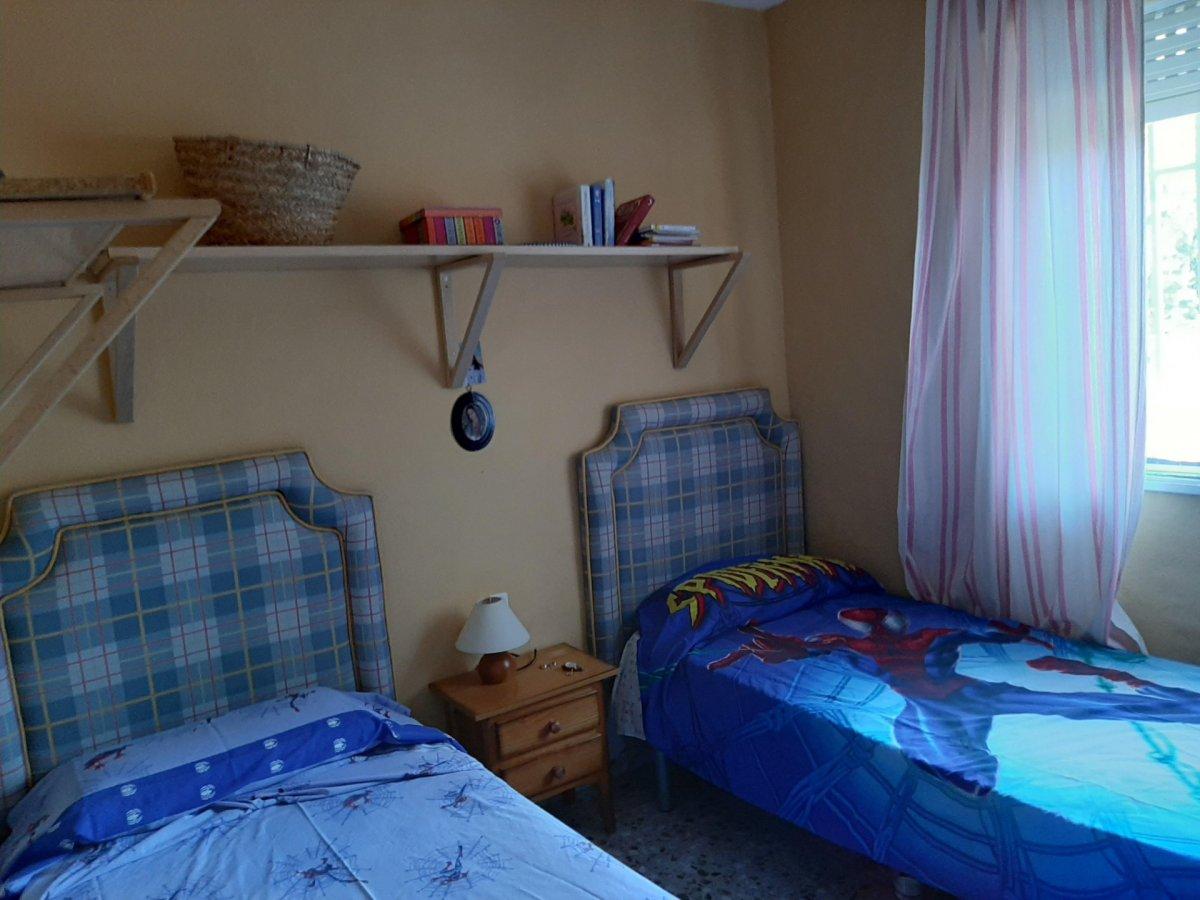 Estupenda casa con piscina propia en zona de assuan- las jaras-cÓrdoba. - imagenInmueble24